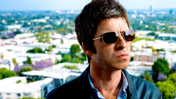 Noel Gallagher Sits In