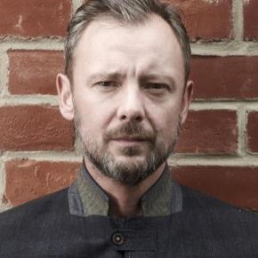 Interview: John Simm talks about his new role in Michael Winterbottom's film 'Everyday'
