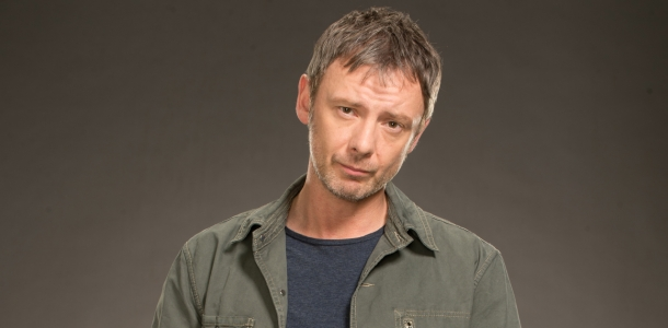 John Simm (as Jack Whelan) is headlining an intriguing new US drama, Intruders about a troubled marriage and a mysterious secret society.