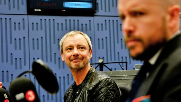 John Simm talks about his two new dramas, Collateral and Trauma with Clive Anderson and Tom Allen.