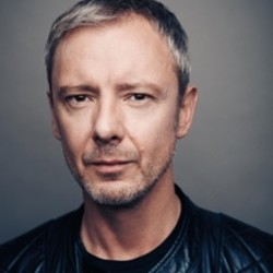John Simm among 24 Influential Ambassadors supporting Theatres Trust